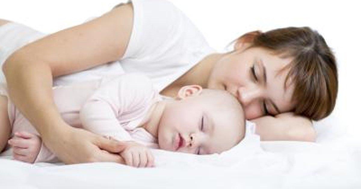 should baby sleep in swing all night 1