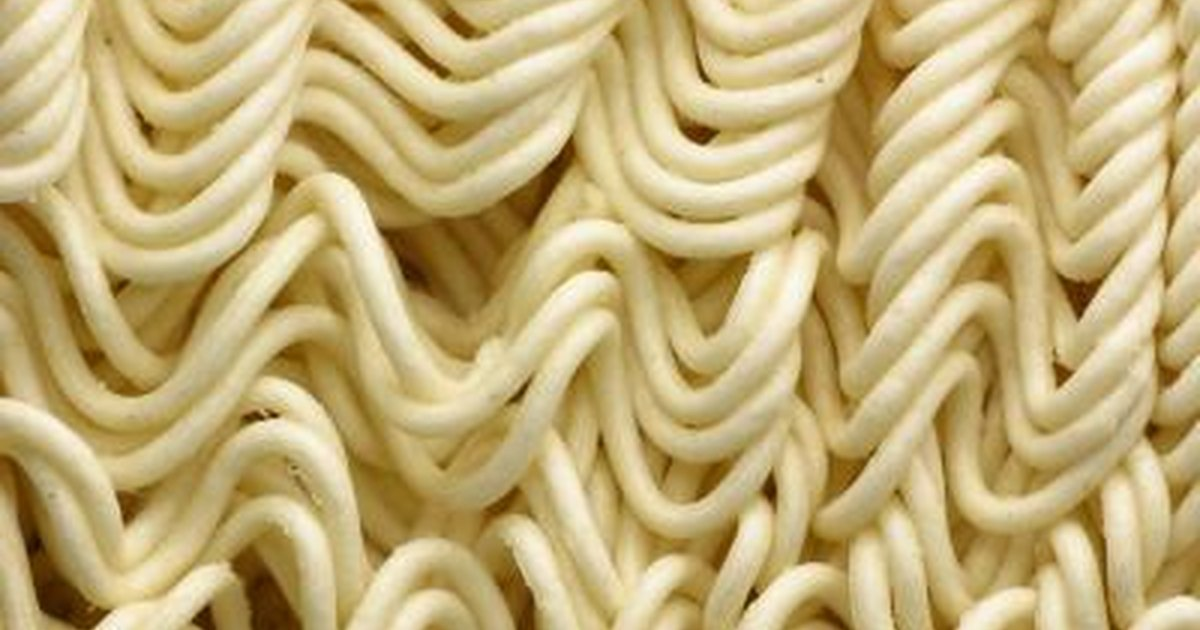 Ways to cook ramen noodles with peanut butter livestrong com for Cocinar noodles