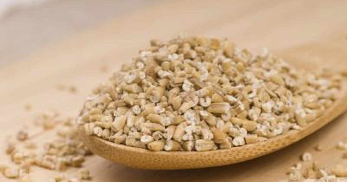 Oatmeal: Nutrition, Benefits, Types, Toppings - WebMD