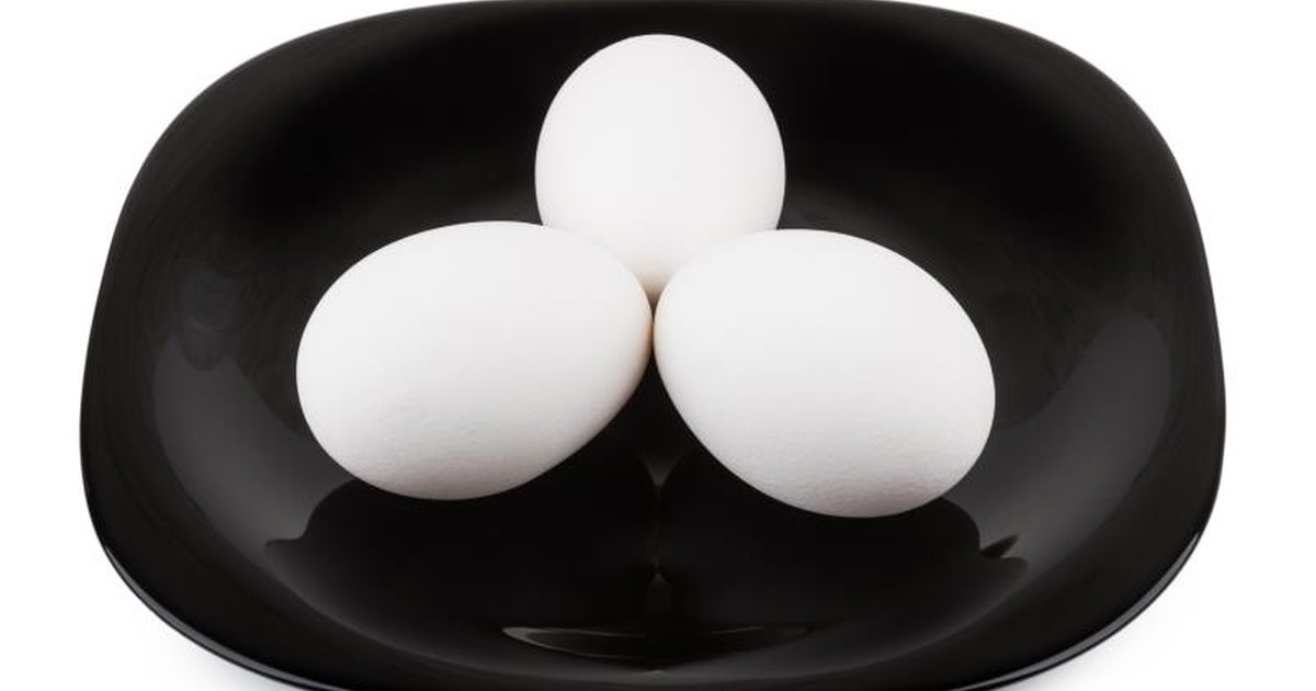 Good Cholesterol in Hard-Boiled Eggs | LIVESTRONG.COM