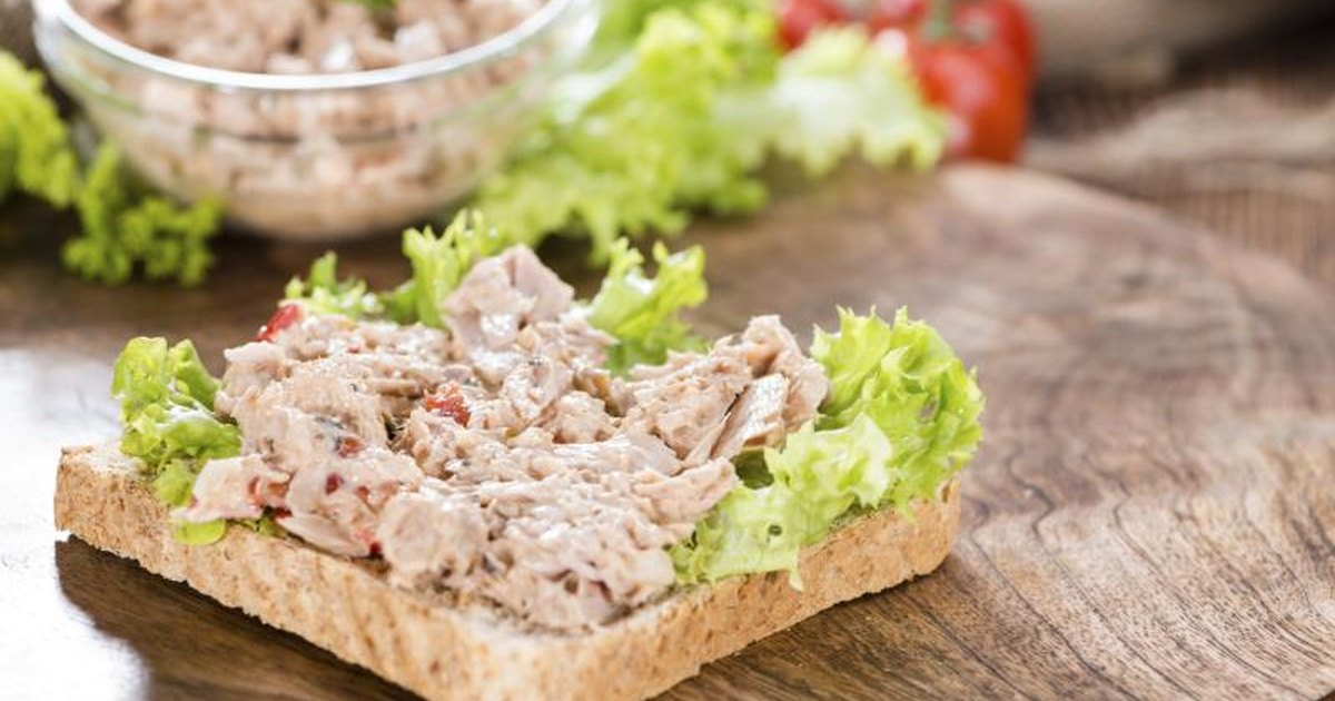 Can tuna salad help you lose weight livestrong com for Tuna fish salad calories