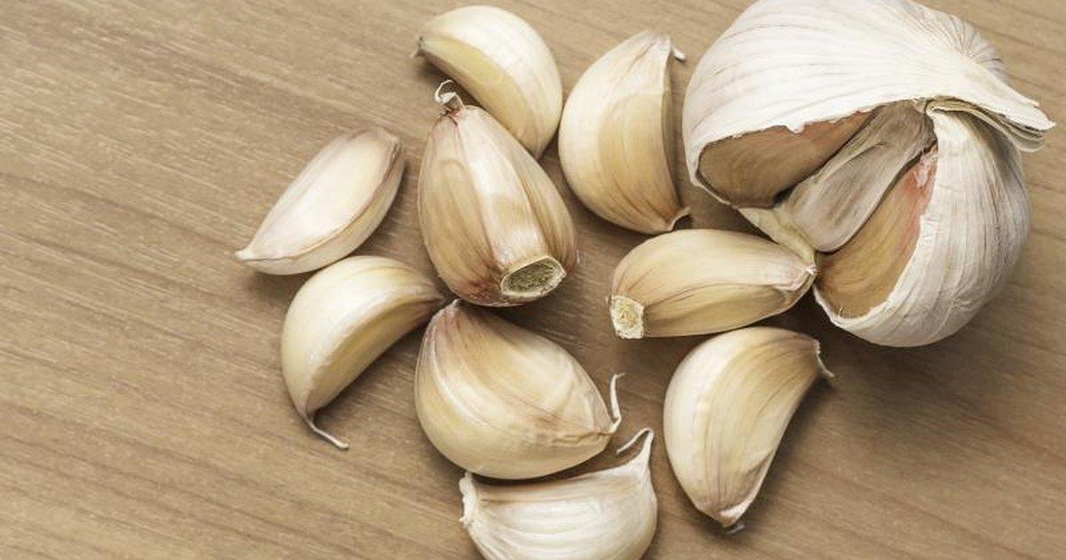 Eating Raw Garlic Amp Botulism Livestrong Com