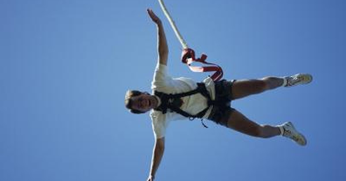 Fat people bungie jumping