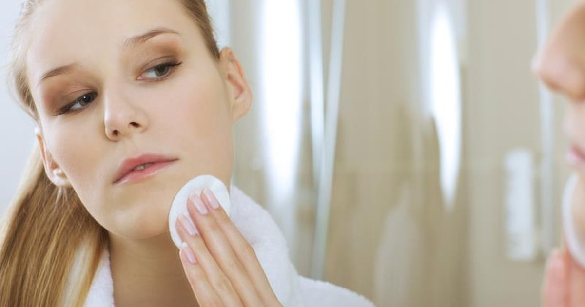 How to Get Rid of a Zit That Has Not Surfaced | LIVESTRONG.COM
