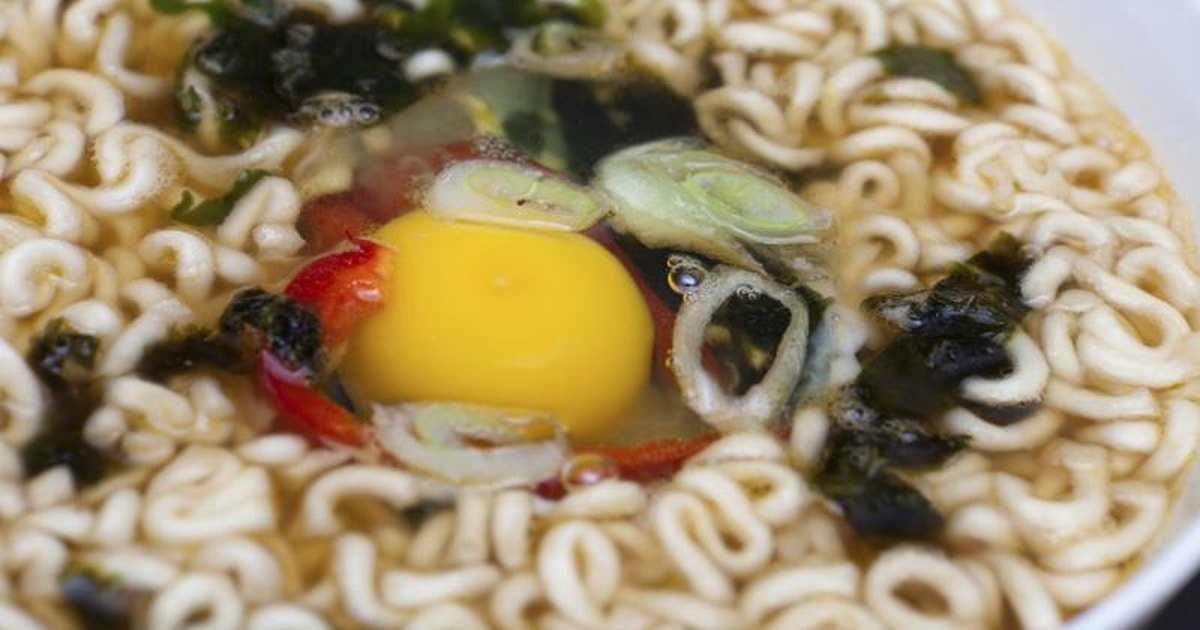 how to cook top ramen with egg in it  livestrong