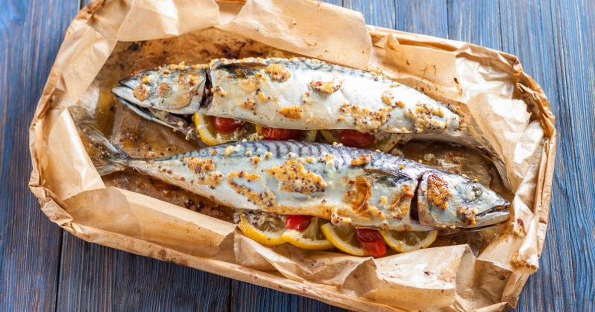 How to cook whole fish in the oven livestrong com for Fish in oven