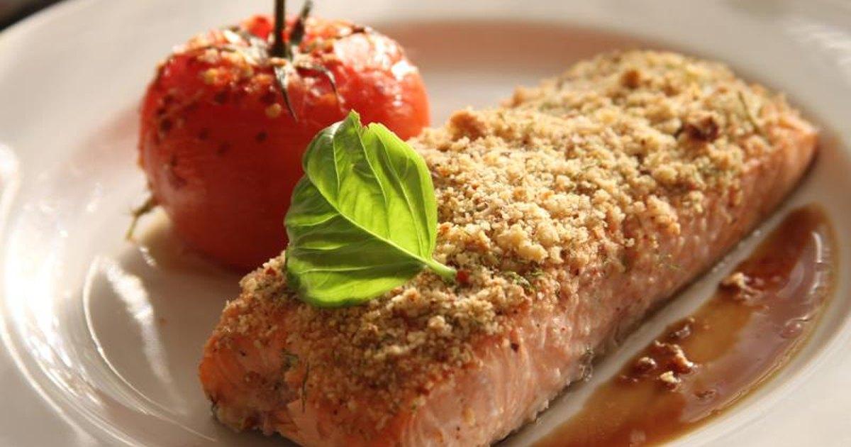 Food Sources of Omega 3 6 & 7   LIVESTRONG.COM
