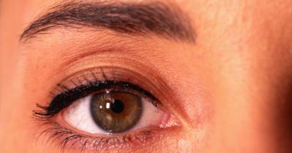Creams for Eyelash Growth | LIVESTRONG.COM