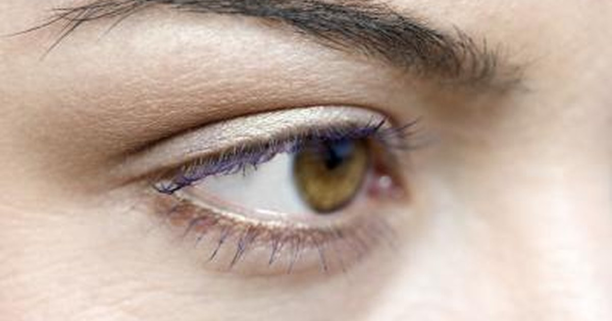 Problems With Eyelashes | LIVESTRONG.COM