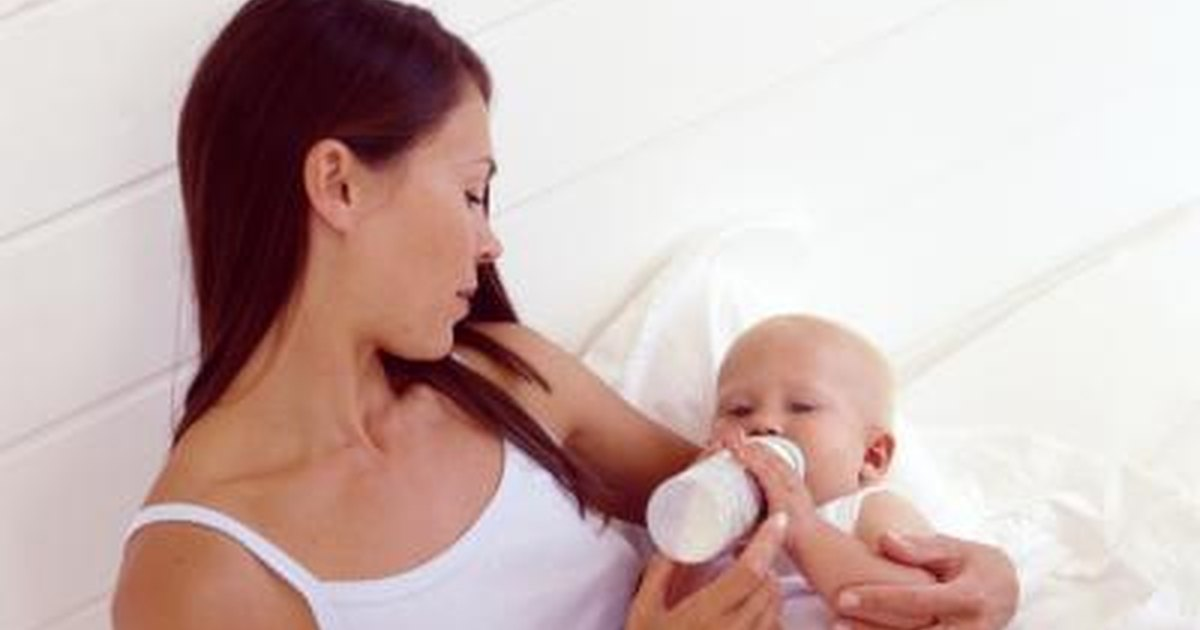 How to Prevent Infants from Choking While Bottle Feeding ...
