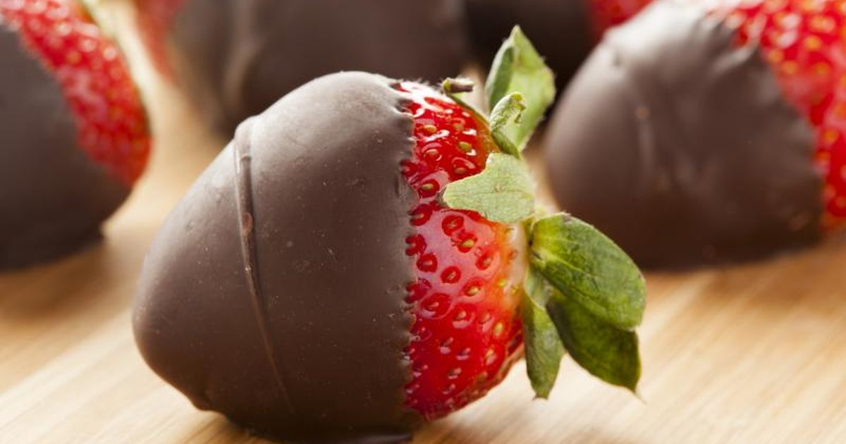 Calories in Chocolate Covered Strawberries | LIVESTRONG.COM
