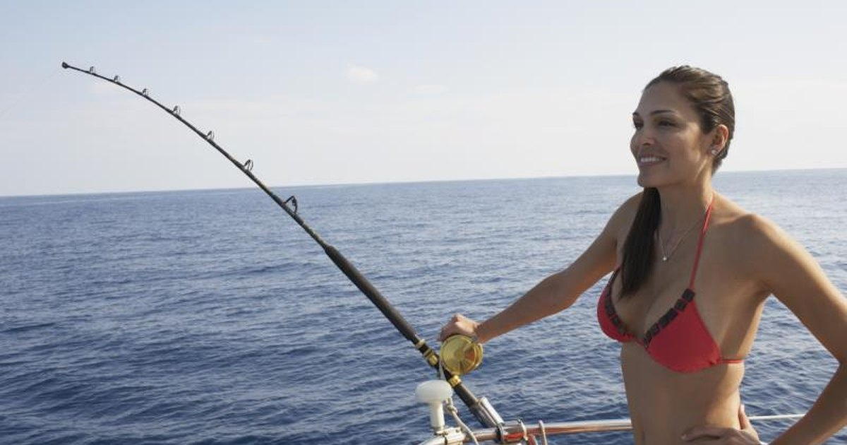 Top 10 saltwater fishing reels livestrong com for Fishing poles near me