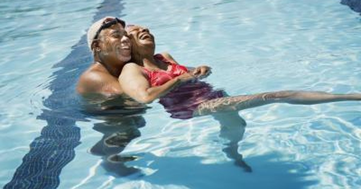 how to avoid cramps when swimming
