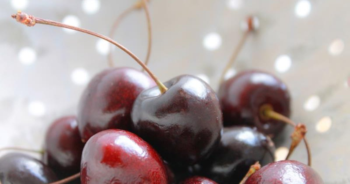 Black cherries arthritis
