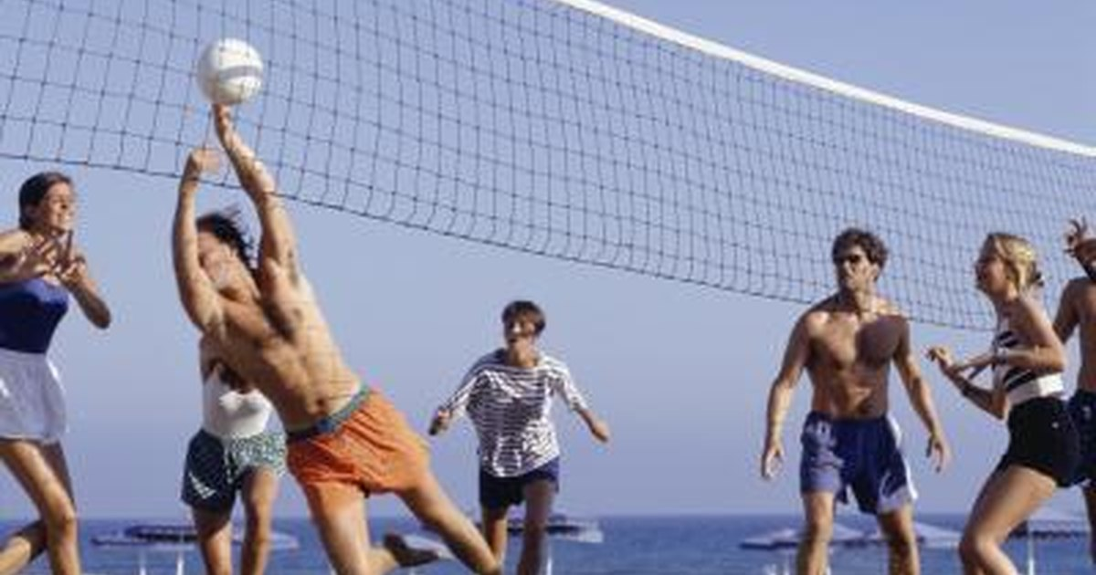 how to hit a volleyball correctly