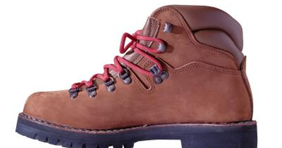 Ways to Break in Steel-Toed Boots | LIVESTRONG.COM