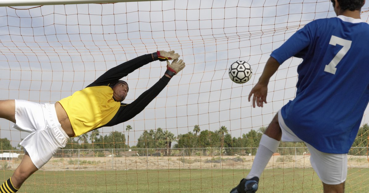 How To Run Soccer Tryouts | Livestrong.Com