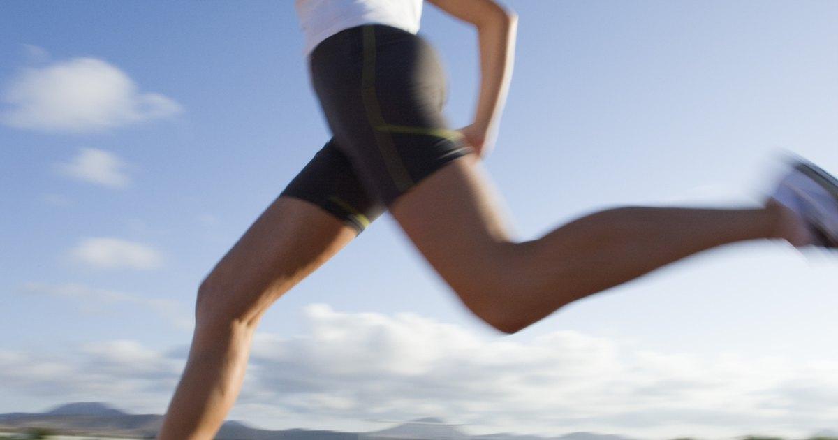 How to Shrink Your Waist Fast   LIVESTRONG.COM