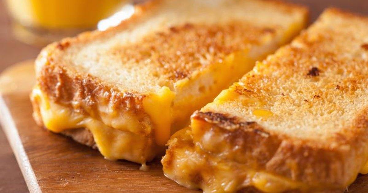 Cheese Sandwich Calories | LIVESTRONG.COM