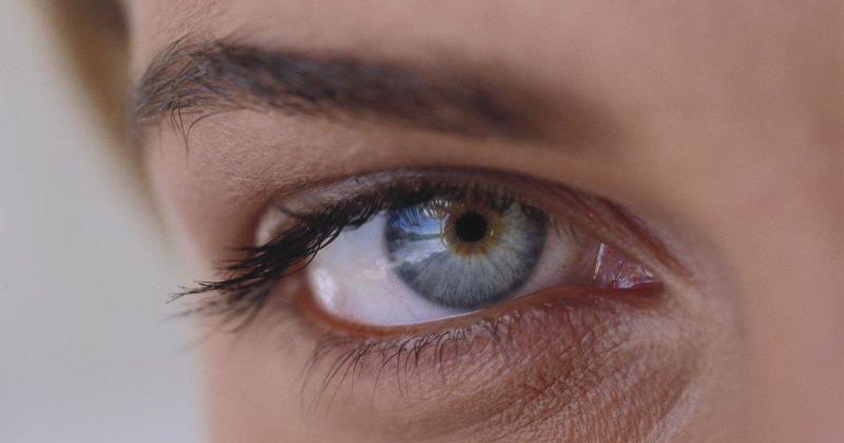 Emu Oil & Eyelash Growth | LIVESTRONG.COM