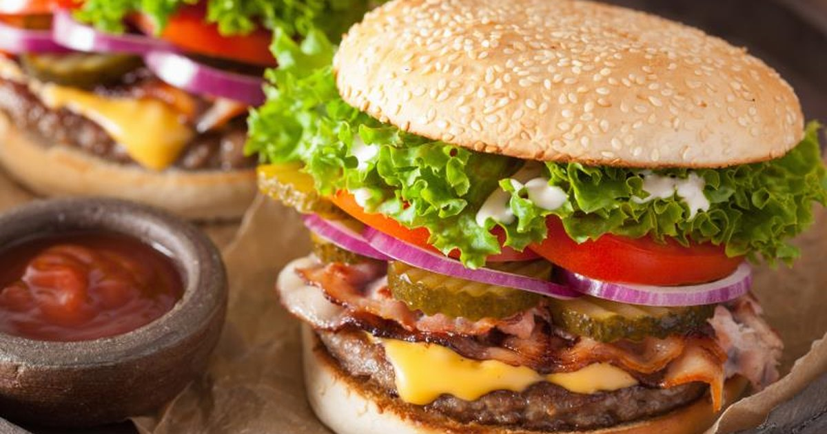 how many calories does a baconator have  livestrong