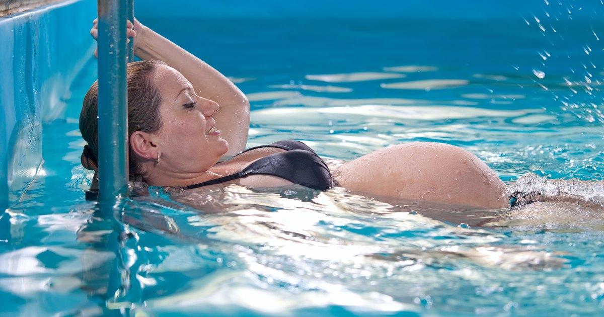 Вредна ли хлорка в бассейне беременным 8