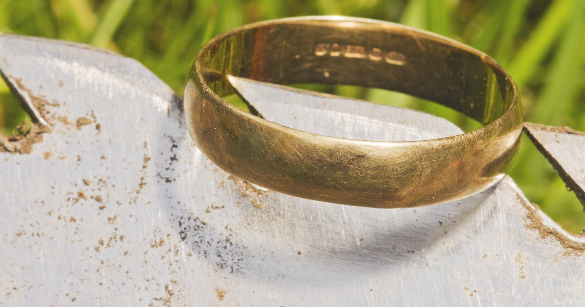 Do Magnetic Rings Help with Weight Loss? | LIVESTRONG.COM