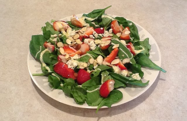 Strawberry Almond Spinach Salad