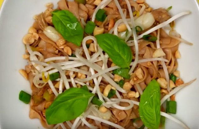 Easy Shirataki Pad Thai
