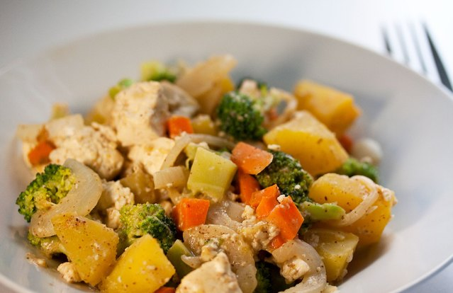 Acorn Squash With Broccoli and Tofu