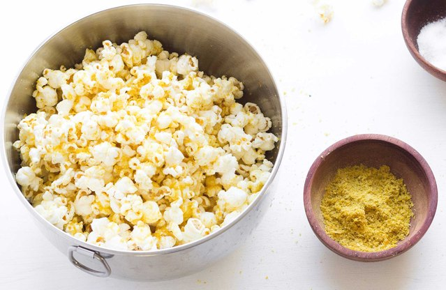 Cheesy Garlicky Popcorn