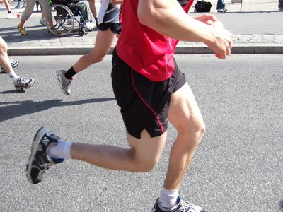Do You Run Faster Flat Footed or on the Balls of the Feet?