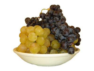 What Is the Difference Between Resveratrol & Grape Seed Extract?