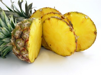 Bromelain from fresh pineapple helps to reduce pain and inflammation.