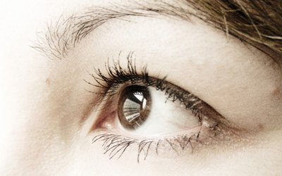Can a Chemical Peel Tighten Skin Around the Eyes?