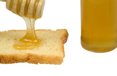 The Dangers and Benefits of Raw Honey