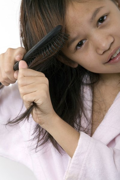 What Is the Difference Between Nits & Dandruff?