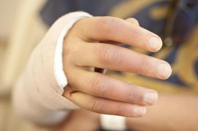 Signs and Symptoms of a Broken Wrist