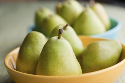 Pears are high in soluble fiber.