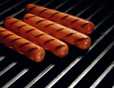 How to Cook Hotdogs on a Grill