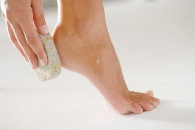 How to Keep Your Feet Healthy & Keep Them From Peeling