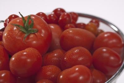 Does Eating Tomatoes Affect Health of Person With Gout?