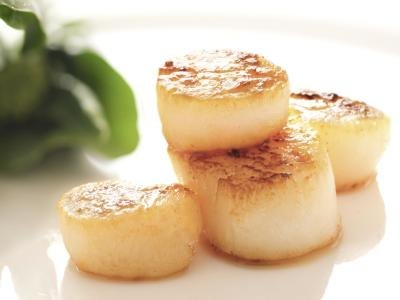 How Many Calories Are in Five Large Sea Scallops?