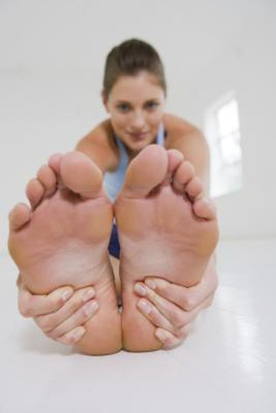 Stretching Exercises to Treat Numbness in the Feet
