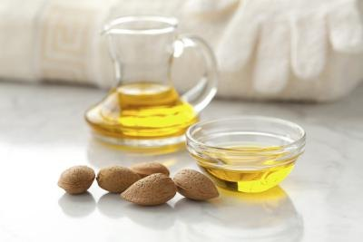 Can Almond Oil Benefit the Face?