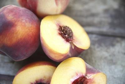 Can Diabetics Eat Peaches?