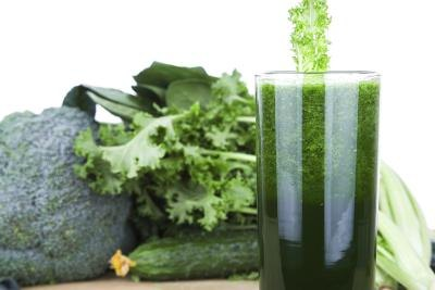 Dangers of Juicing With Too Much Kale