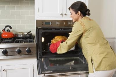 Oven Roasting Tips for Baking a Rival Turkey