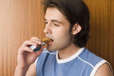 What Are Good Protein Bars to Eat After Running?