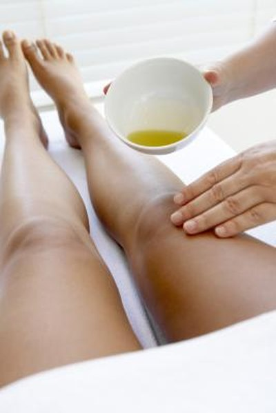 Home Remedies for Cellulite With Castor Oil